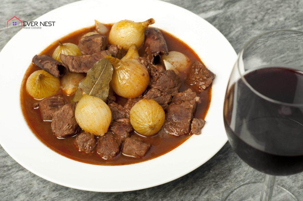 استیفادو، غذای سنتی و معروف قبرس شمالی
